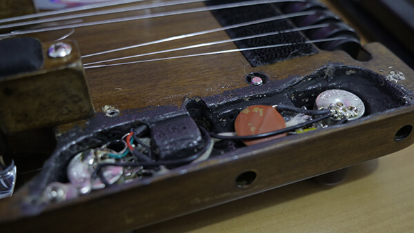トラベラーギター,改造,配線
