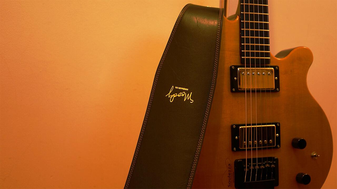 soulezza-guitar,ヘッドレス,ジャズギター,ギター
